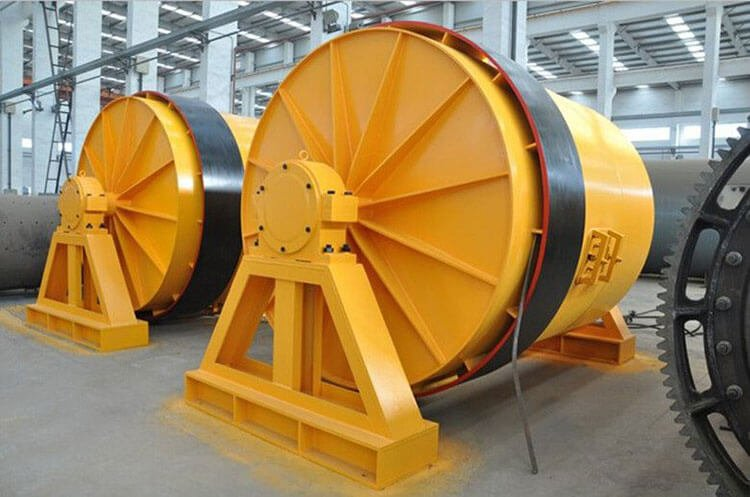 Ball mill for open or closed circuit grinding